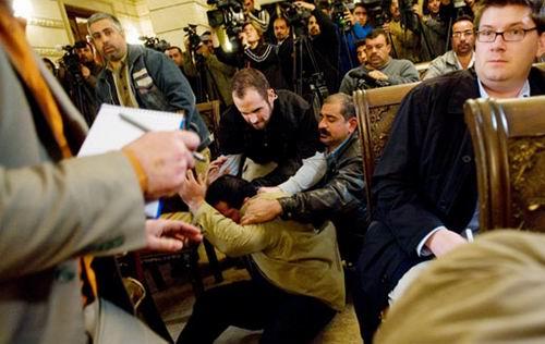 بيان تضامني مع الصحفي العراقي منتظر الزيدي والمطالبة بإطلاق سراحه