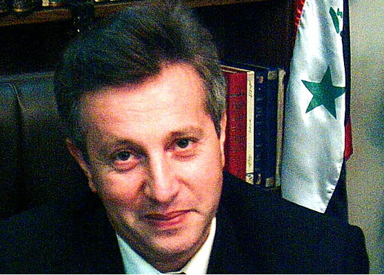 Photo of يتعين على سوريا إجراء تحقيق في حادثة الاعتداء على محام يدافع عن حقوق الإنسان خلف قضبان السجن