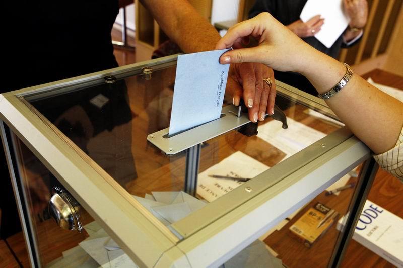 الجولة الأولى للانتخابات النيابية في مصر عودة إلى نظام الحزب الواحد