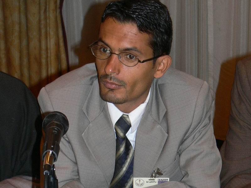 Photo of مركز عمان يطالب باطلاق سراح المحامي علي الديلمي