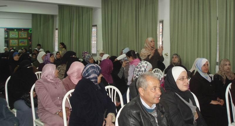 احتفالات مركز عمان بيوم المرأة العالمي مع مدرسة اناث مخيم عمان الاعدادية الثالثة