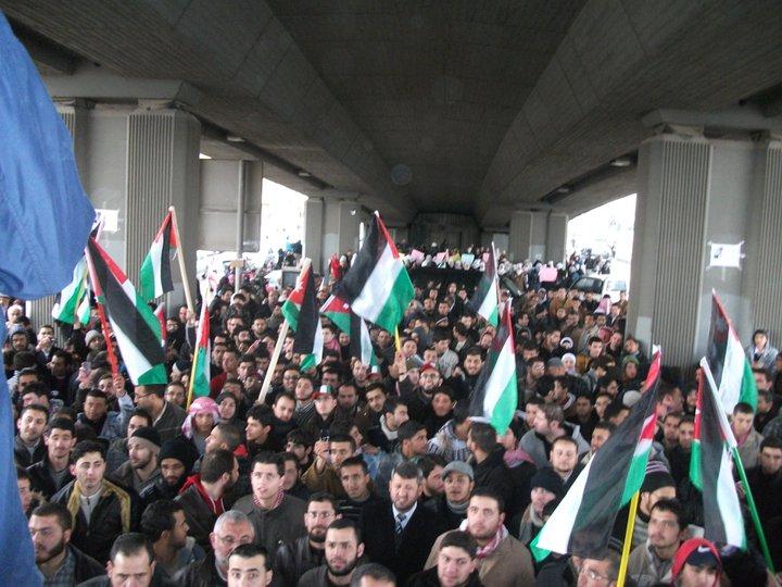 المنظمات الحقوقية الأردنية تدين استخدام القوة ضد المعتصمين سلمياً وتدعو لاجراء تحقيق محايد ومحاسبة الجناة