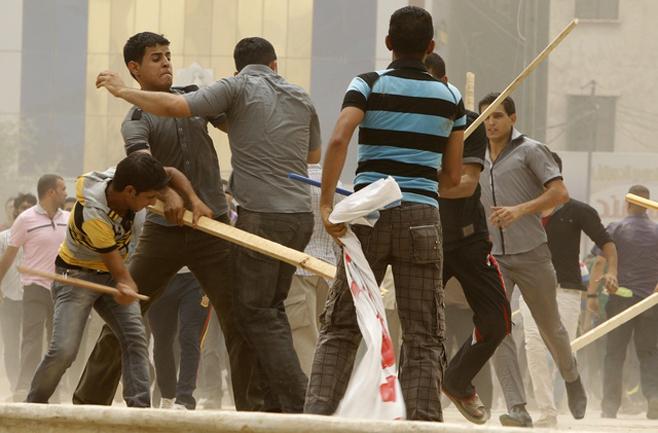 Photo of العراق: هجمات العصابات المدعومة من الحكومة تروّع المتظاهرين