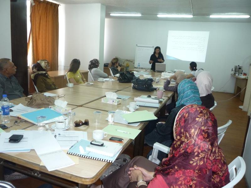 صورة اختتام الدورة الثانية للمشاركات  في الدفعة الثانية في برنامج  المعهد الأردني للقيادات النسائية