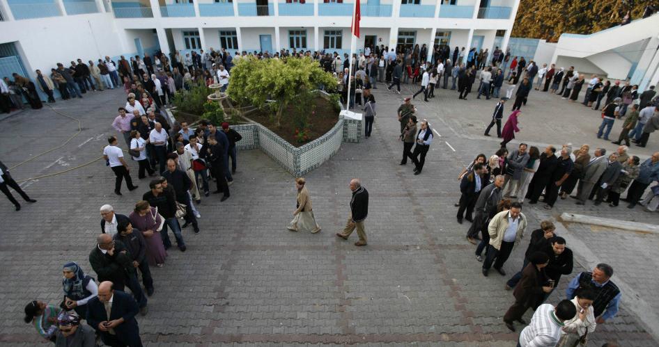 انتخابات شفافة ومشاركة واسعة تنجح التجربة التونسية