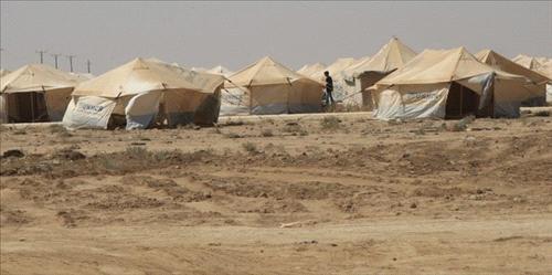 اللاجئون السوريون يتسللون إلى سوق العمل وينافسون العمالة المحلية