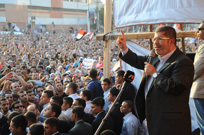 Photo of مصر – قرار مرسي يقوض سيادة القانون