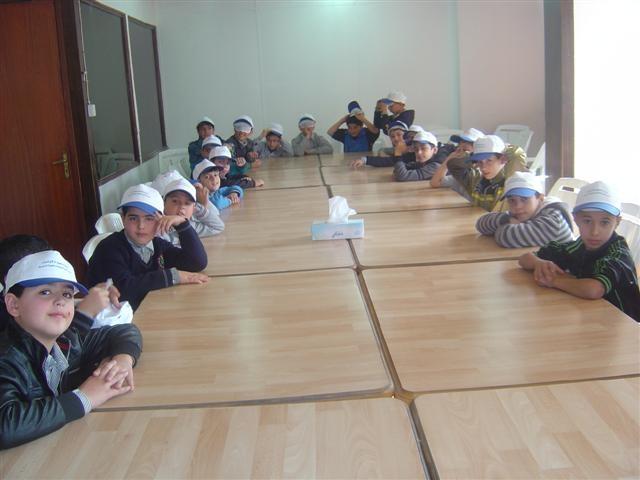مدرسة الأنصار الإسلامية تنفذ نشاطا في مركز عمان لحقوق الإنسان