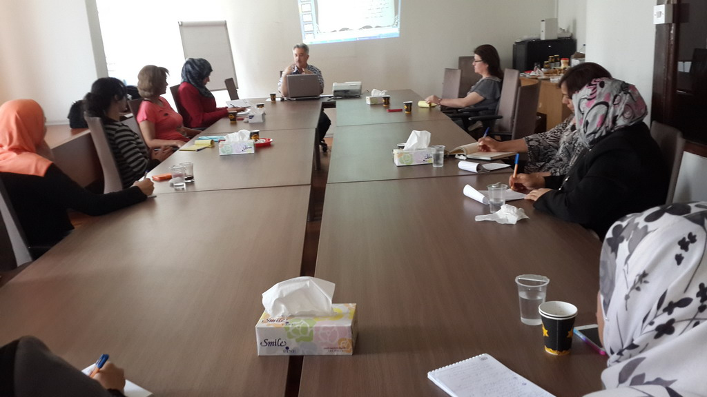 Photo of اختتام الدورة الرابعة للمشاركات في الدفعة الخامسة في برنامج المعهد الاردني للقيادات النسائية