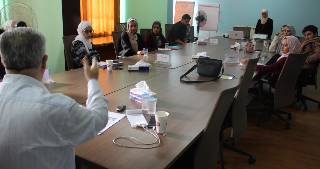 Photo of دورة في مهارات الخطابة